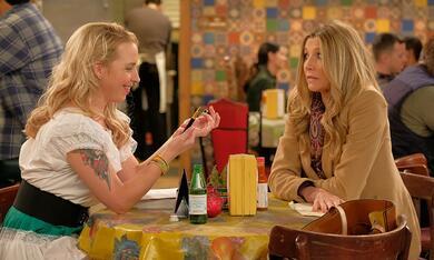 Roseanne Revival, Roseanne Revival - Staffel 1 mit Sarah Chalke und Alicia Goranson - Bild 6