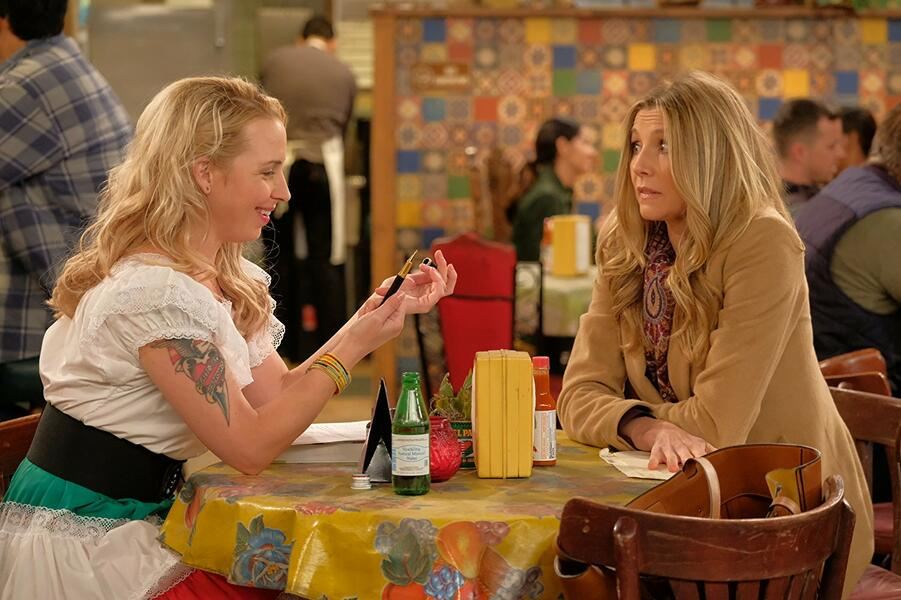 Roseanne Revival, Roseanne Revival - Staffel 1 mit Sarah Chalke und Alicia Goranson