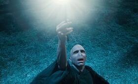 Harry Potter und die Heiligtümer des Todes 1 mit Ralph Fiennes - Bild 23