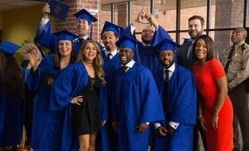 Night School mit Kevin Hart, Mary Lynn Rajskub, Rob Riggle, Tiffany Haddish, Taran Killam und Al Madrigal - Bild 2