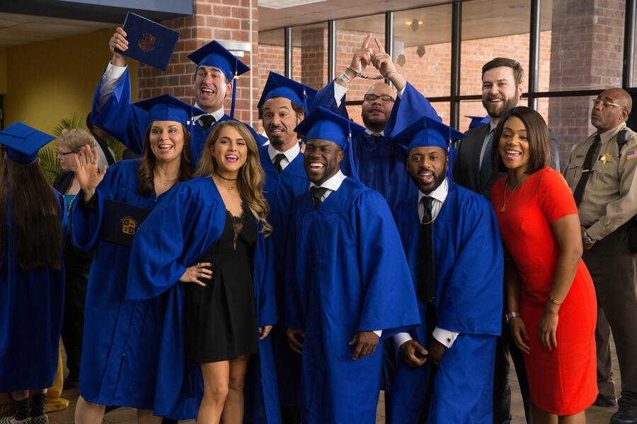 Night School mit Kevin Hart, Mary Lynn Rajskub, Rob Riggle, Tiffany Haddish, Taran Killam und Al Madrigal
