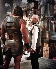 Dwayne Johnson und Dante Spinotti am Set von Hercules: The Thracian Wars