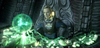 Michael Fassbender in Prometheus - Dunkle Zeichen