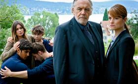 Der Zürich-Krimi: Borchert und der fatale Irrtum mit Ina Paule Klink, Christian Kohlund, Levi Eisenblätter und Julius Göze - Bild 2