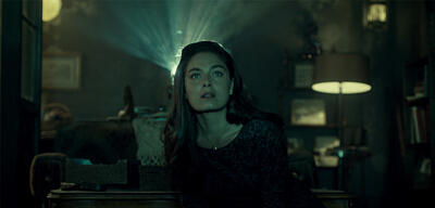 Juliana Crain (Alexa Davalos) bezeugt das Unglaubliche in The Man in the High Castle