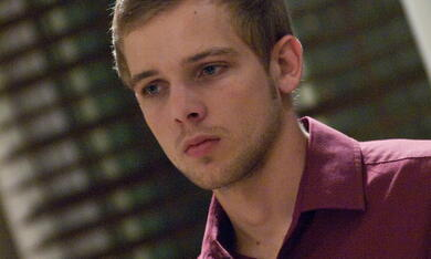 House at the End of the Street mit Max Thieriot - Bild 3