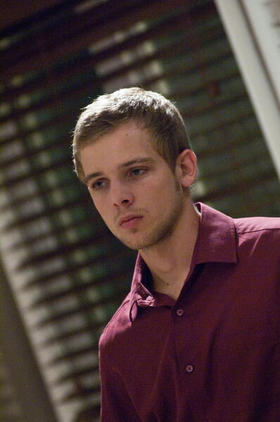 House at the End of the Street mit Max Thieriot