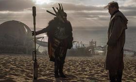 Solo: A Star Wars Story mit Woody Harrelson und Erin  Kellyman - Bild 180