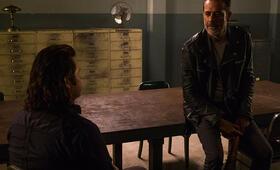 The Walking Dead - Staffel 8, The Walking Dead - Staffel 8 Episode 7 mit Jeffrey Dean Morgan und Josh McDermitt - Bild 7