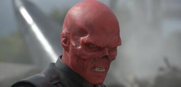 Bild zu:  Hugo Weaving als Red Skull