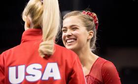 Bronze - Kleiner Sieg. Große Fresse. mit Melissa Rauch und Haley Lu Richardson - Bild 16