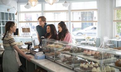 You - Du wirst mich lieben, You - Du wirst mich lieben - Staffel 3 mit Victoria Pedretti, Shalita Grant, Christopher O'Shea und Shannon Chan-Kent - Bild 5