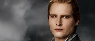 Peter Facinelli als Familienoberhaupt Carlisle Cullen in Twilight Eclipse