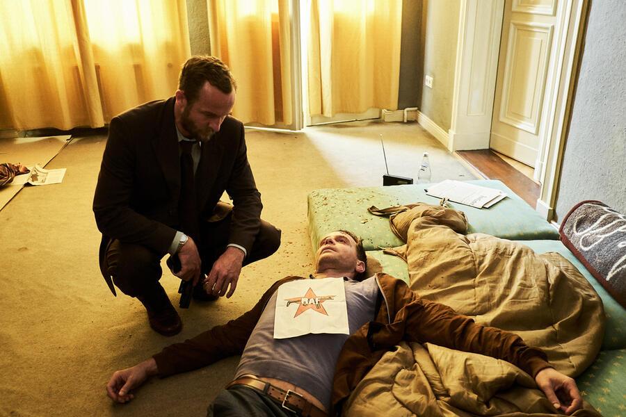 Der Mordanschlag mit Maximilian Brückner und Julian Weigend