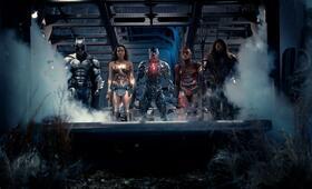 Justice League mit Ben Affleck, Ezra Miller, Gal Gadot, Jason Momoa und Ray Fisher - Bild 38