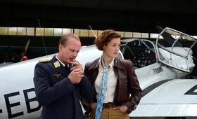 Elly Beinhorn - Alleinflug mit Christian Berkel - Bild 37
