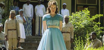 The Crown mitClaire Foy alsQueen Elizabeth II