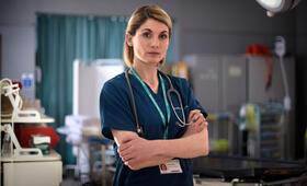 Trust Me, Trust Me Staffel 1 mit Jodie Whittaker - Bild 2