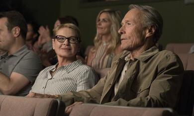 The Mule mit Clint Eastwood und Dianne Wiest - Bild 5