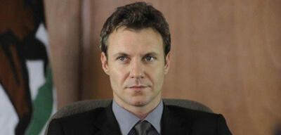 Chris Vance in Mental