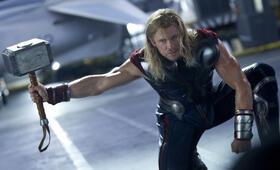 Marvel's The Avengers mit Chris Hemsworth - Bild 118