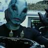 Hellboy mit Doug Jones - Bild