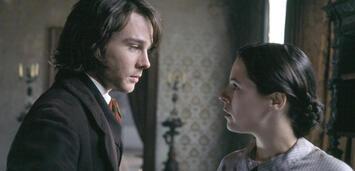 Bild zu:  Rupert Evans und Elaine Cassidy in Fingersmith