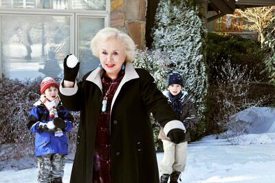 Doris Roberts als zauberhaftes Kindermädchen in Mrs. Miracle