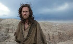 Ewan McGregor in Last Days in the Desert - Bild 195