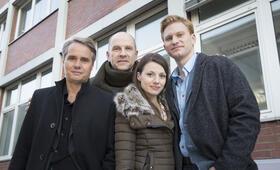 Der Chef ist tot mit Julia Hartmann, Lucas Prisor, Götz Schubert und Guido Lambrecht - Bild 20