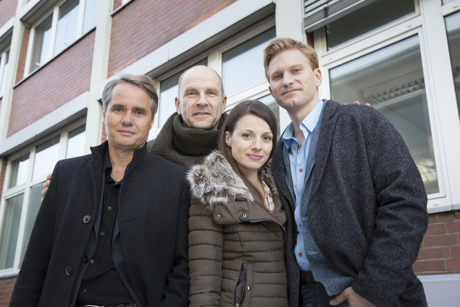 Der Chef ist tot mit Julia Hartmann, Lucas Prisor, Götz Schubert und Guido Lambrecht