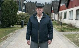 Ein Mann namens Ove mit Rolf Lassgård - Bild 7