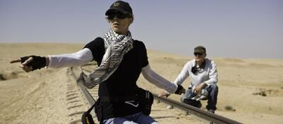 Kathryn Bigelow am Set von The Hurt Locker