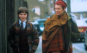 About a Boy oder: Der Tag der toten Ente mit Nicholas Hoult und Toni Collette - Bild 18