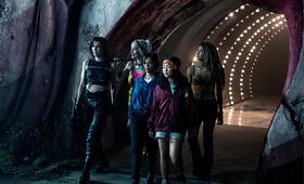 Birds of Prey: The Emancipation of Harley Quinn mit Margot Robbie, Mary Elizabeth Winstead, Rosie Perez und Ella Jay Basco - Bild 4