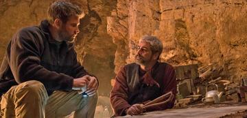 Chris Hemsworth und Navid Negahban