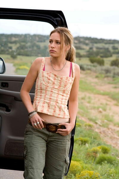 Carriers mit Piper Perabo