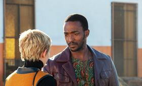 Jean Seberg - Against all Enemies mit Kristen Stewart und Anthony Mackie - Bild 2