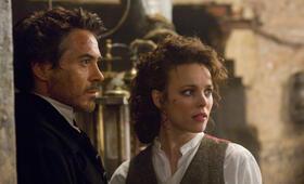 Sherlock Holmes mit Robert Downey Jr. und Rachel McAdams - Bild 11