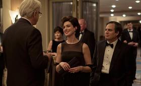 Vergiftete Wahrheit mit Anne Hathaway, Mark Ruffalo und Tim Robbins - Bild 13