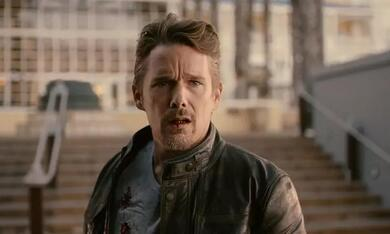 24 Hours to Live mit Ethan Hawke - Bild 3