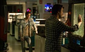 Replicas mit Keanu Reeves und Thomas Middleditch - Bild 15