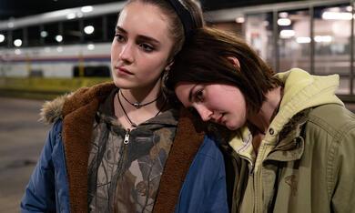 Niemals Selten Manchmal Immer mit Sidney Flanigan und Talia Ryder - Bild 1