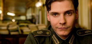 Bild zu:  Kennt sich mit Nazi-Rollen aus: Daniel Brühl