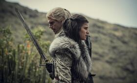 The Witcher, The Witcher - Staffel 1 mit Henry Cavill und Anya  Chalotra - Bild 2