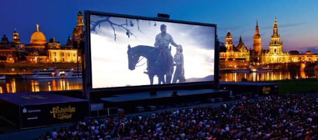 Dresdner Filmnächste am Elbufer - Open Air-Kino vor historischer Kulisse