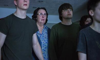 The OA, The OA - Staffel 2 mit Brendan Meyer und Phyllis Smith - Bild 3