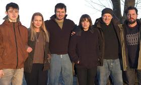 Unschuldig mit Anna Loos, Felix Klare, Britta Hammelstein, Sascha Alexander Gersak, Yuri Völsch und Nicolai Rohde - Bild 18