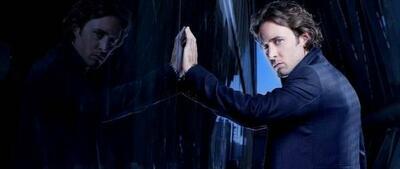 Alex O'Loughlin als Mick St. John