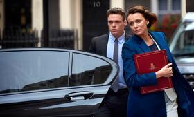 Bodyguard, Bodyguard - Staffel 1 mit Richard Madden und Keeley Hawes - Bild 8